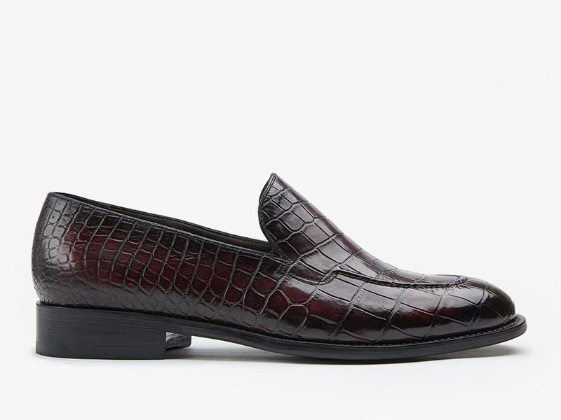 207) Лоферы из кожи крокодила