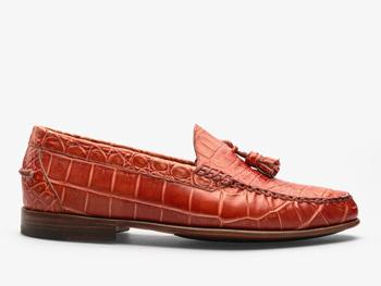 196) Красные мужские мокасины из кожи крокодила с кисточками
