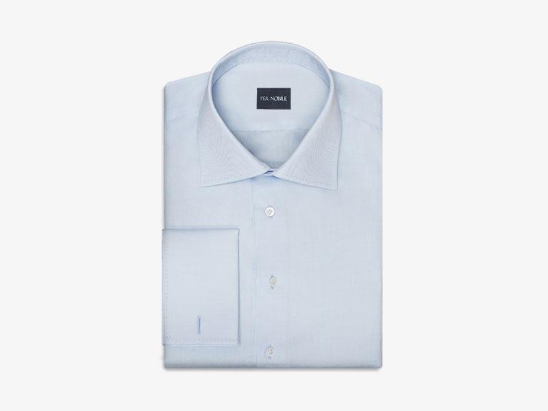 117)Голубая сорочка с развёрнутым воротником