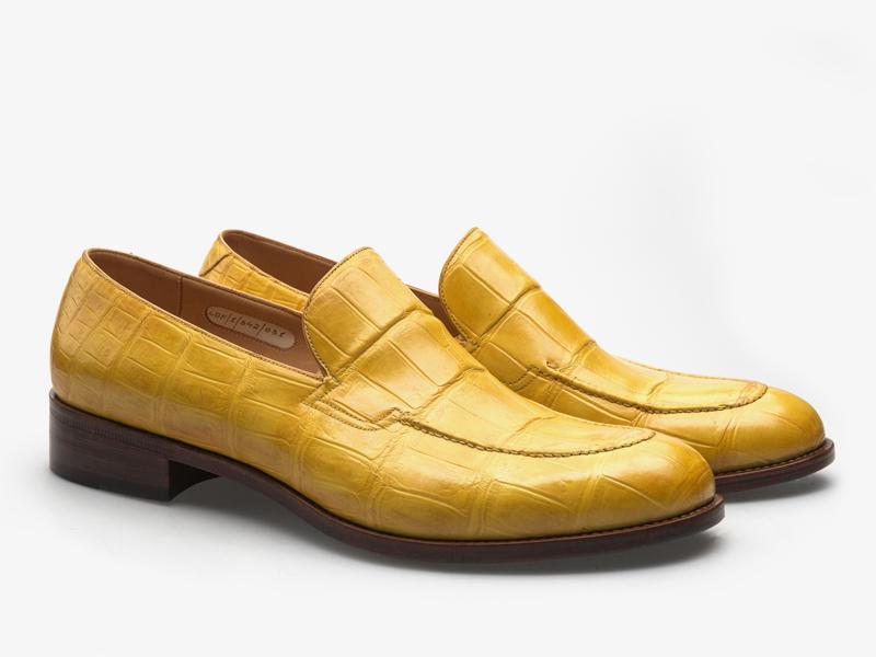 Яркие лоферы из кожи крокодила Per Nobile