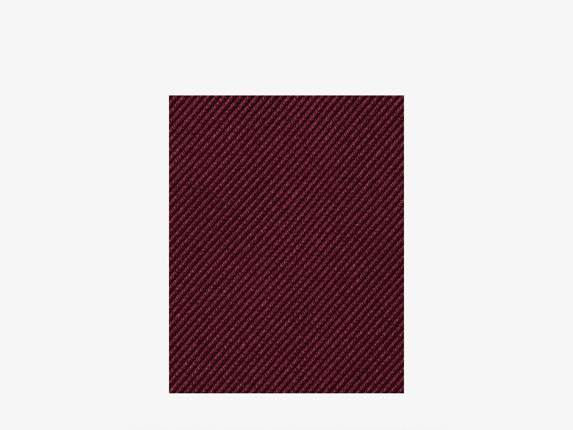 Бордовый галстук из шёлка