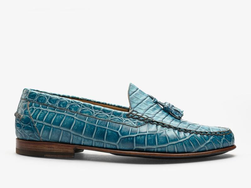 167)Яркие классические мокасины из кожи крокодила с кисточками