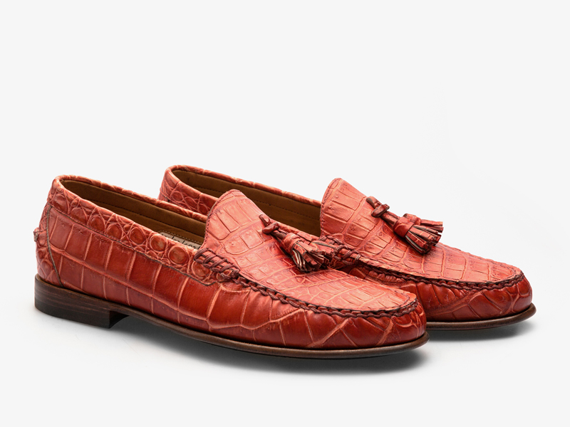 Мягкие классические мокасины из кожи крокодила с кисточками Per Nobile