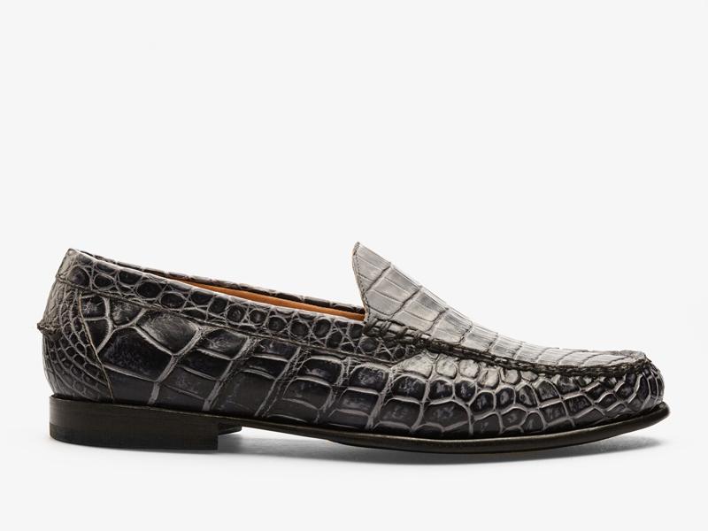 171)Классические мокасины из кожи крокодила