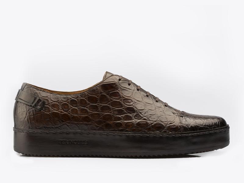222)Кеды из кожи крокодила на шнуровке