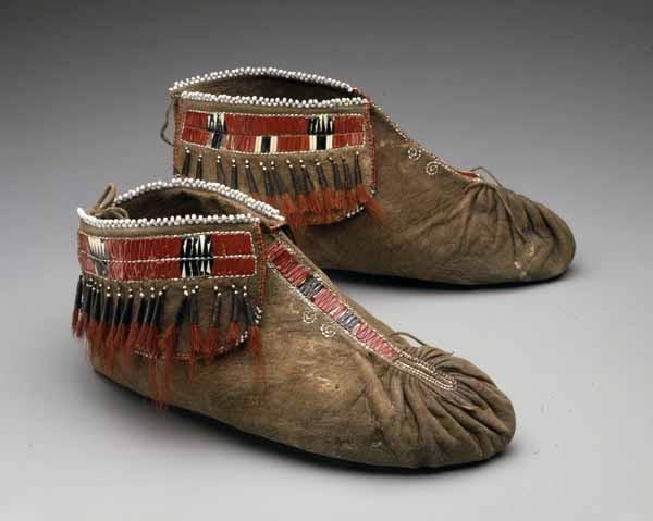 фото индейских мокасин несколько